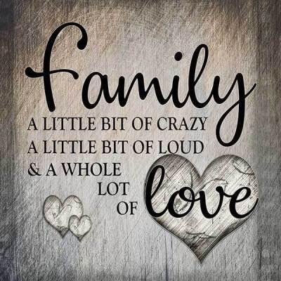 canvas-family-love-square-small_grande_6bab9f20-040e-4232-a797-a7aa6efd13a8_2048x